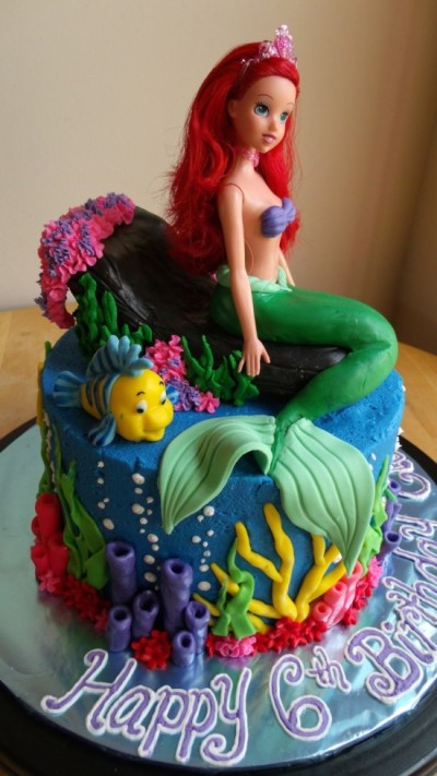 780685jWQG_the-little-mermaid-cake-and-cupcakes_900-550x978