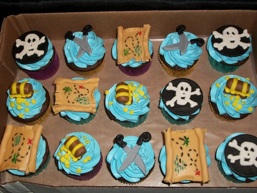 900_609330D8tT_pirate-themed-cupcakes