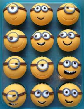 Minions-The-Movie-by-Pirikos-Cake-Design-17