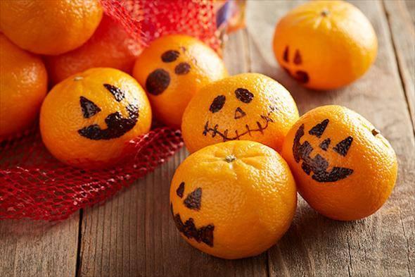 healthy-halloween-treats-clementines