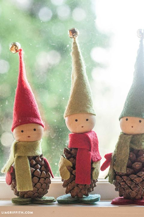 gallery-1469121642-elves-pinecone-felt-diy