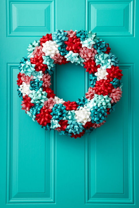 gallery-1503334208-jolly-wreath