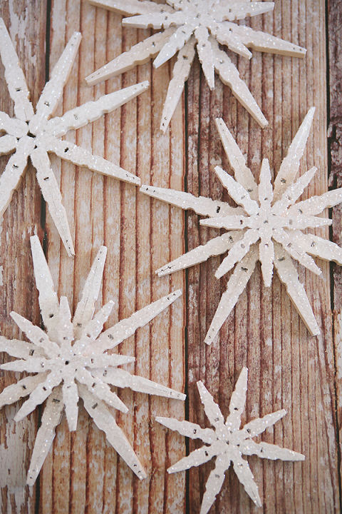 glittered-clothespin-snowflakes