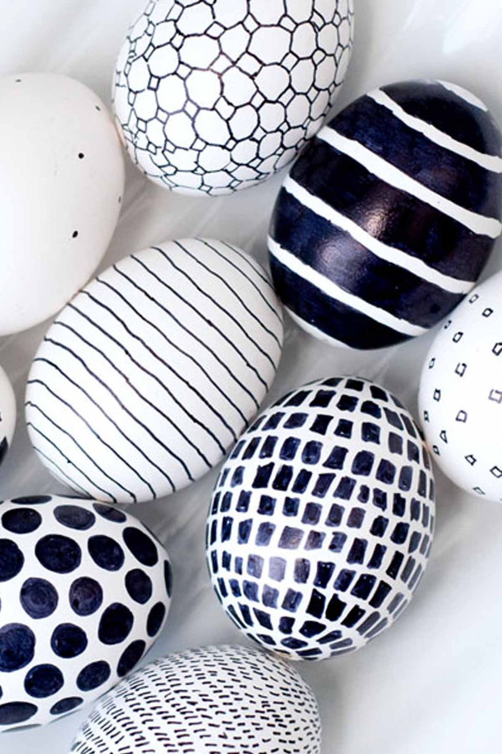 1485557028-black-and-white-easter-eggs
