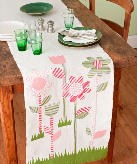 55005c28a0906-easter-table-runner-0410-s3