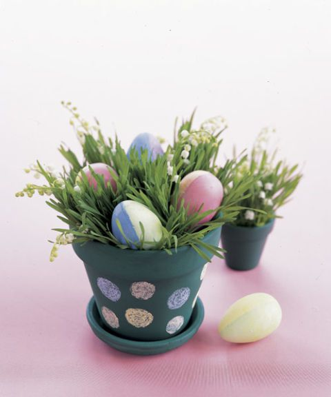 55005c2a3b119-ghk-easter-polka-dot-pot-0404-s3