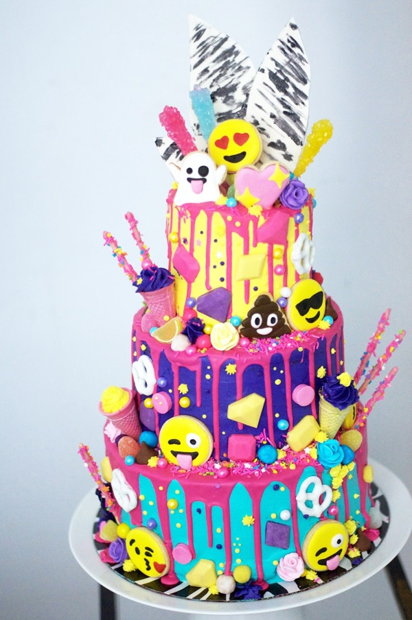 candy-emoji-birthday-cake-2