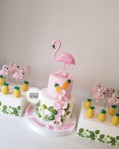 melike-evval-cake-flamingocakes-flamingocakepops-ananas-flamingo-cake-flamingo-birthday-E7c44dac7dfea697534513a93e906efbf
